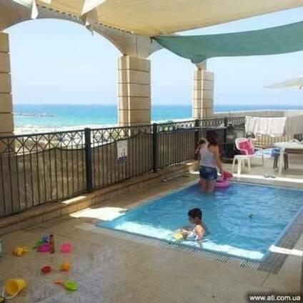 Квартиры для туристов в краткосрочную аренду в Ашкелоне